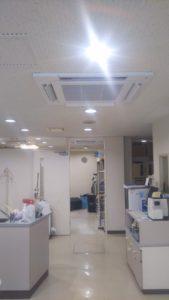 天井カセット4方向型エアコン